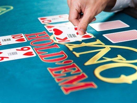 Casino Hold'Em Jumbo 7 Jackpot